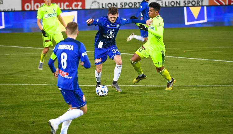 Sigma Olomouc porazila Karvinou 3:0 a bodovala v šestém kole v řadě