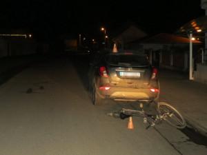 Tři opilí cyklisté bourali během sobotního večera. Všichni museli být ošetřeni v nemocnici