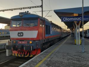 Jednotné jízdné se od neděle rozšíří na většinu vlaků v zemi