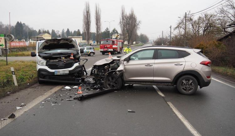 Nehoda tří osobních vozidel v Šumperku ve směru na Bludov. Dva zranění