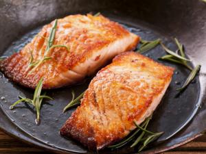 Štědrovečerní večeře jinak: Vychutnejte si divokého lososa z Tichomoří