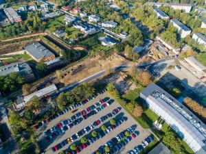 Obyvatelé ulic okolo FNOL mohou žádat o parkovací místa zdarma v areálu nemocnice