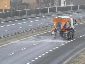 Česko večer pokryje náledí. Meteorologové varují před nehodami a úrazy