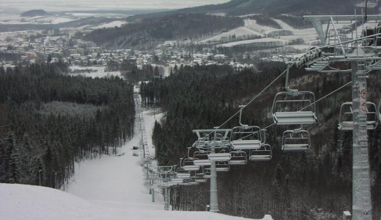 Před lety jeden z nejmodernějších lyžařských areálů. Příčná je ale nyní k prodeji