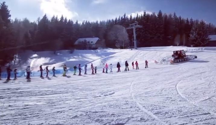 Rolby se v areálech v Jeseníkách rozmohly, tahají lyžaře na svah