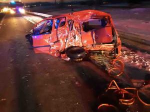 Na Šumpersku se srazilo pět aut, tři lidé byli zraněni