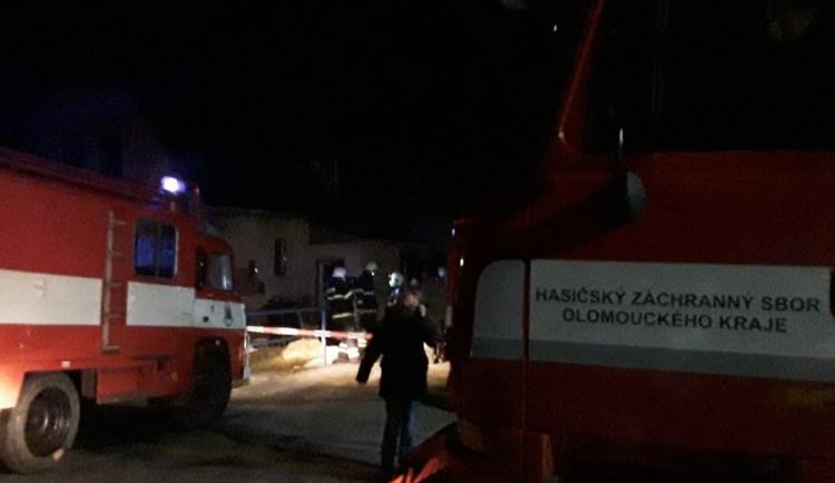 Při požáru v kotelně rodinného domu na Jesenicku zemřel člověk