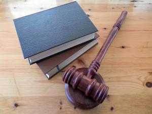 Soud potvrdil podmíněné tresty za bitku v ostravské herně