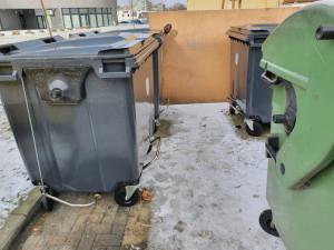 Olomouc testuje nové kontejnery na odpad, snadněji se zavírají