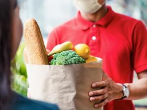 V Olomouci vznikla nová donášková služba. Nabízí místní potraviny, ochranné pomůcky a nákup až ke dveřím