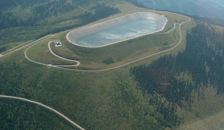 Nepovolenému vjezdu k elektrárně Dlouhé stráně v Jeseníkách zamezí závory