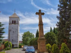 Na nový zvon již Dřevohostice vybraly statisíce korun. Pořídí si zvony dva
