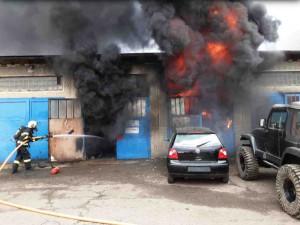 V Zábřehu hořela garáž s osobními vozy, škoda se šplhá k 1,5 milionu