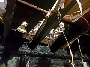 Požár ve firmě způsobil škodu přes milion korun. Příčina se vyšetřuje