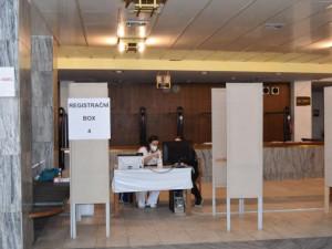 Města v Olomouckém kraji hledají další místa pro očkovací centra