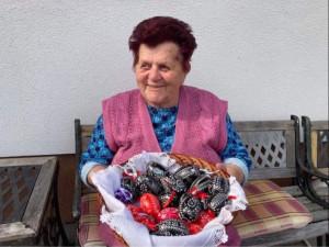 (NE)OBYČEJNÍ: Jihomoravská mistryně 80 let vytváří škrábáním unikátní kraslice
