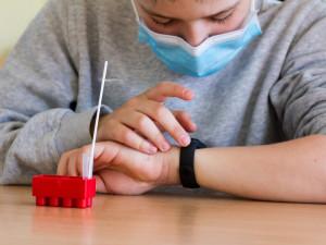 Pozitivní výsledek testu ve škole může být pro děti velkým traumatem