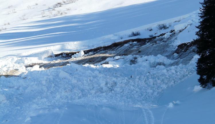 V Jeseníkách platí druhý lavinový stupeň. Napadlo skoro půl metru sněhu