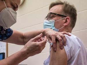 Alespoň první dávku vakcíny už má šestina obyvatel Olomouckého kraje