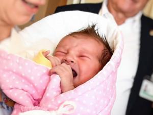 Téma otců u porodu. Jak se vnímají sami muži a jaké role jsou jim připisovány?