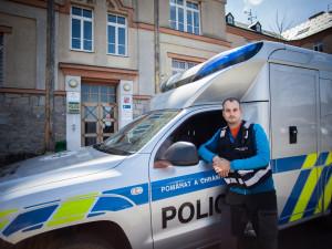 Mám dobrý pocit, když objevím stopu vedoucí k odhalení pachatele, říká kriminalistický technik Jiří Černěnko