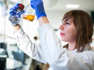 Olomoučtí vědci vyvinuli tablety, které umí vyčistit kontaminovanou vodu