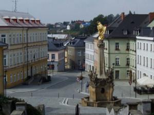 Kolem 1200 stran a 600 fotografií má rukopis dějin města Šternberka