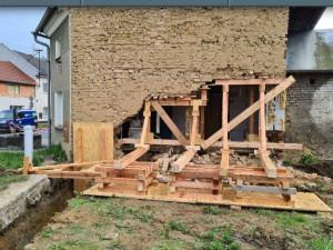 V Křelově na Olomoucku se zřítila část zdi domu, nikdo nebyl zraněn