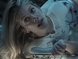 Netflix láká na Amy Adamsovou či na klaustrofobické sci-fi, HBO na Zločin století