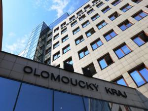 Olomoucký kraj od června zpřístupní na internetu proplácené faktury