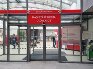 Po kybernetickém útoku nefunguje už jen online rezervační systém Olomouce