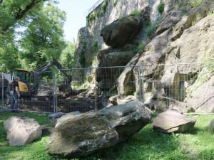 Pod hradbami v Bezručových sadech v Olomouci začala stavba vodopádu