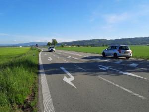 Cestu na Šternberk zbrzdí výměna asfaltu. Lidé zuří kvůli délce oprav