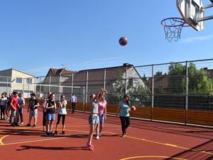 Vrahovice otevřely moderní sportovní hřiště. Přišlo na téměř tři miliony korun