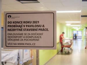 Centrální budova ve Fakultní nemocnici prochází úpravou za téměř 180 milionů