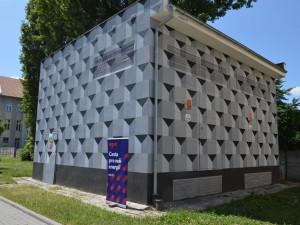 Středoškoláci z Prostějova pomalovali další trafostanici netradičními motivy