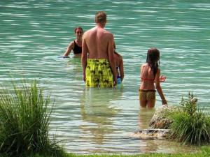 Kvalita vody v jezerech Poděbrady a na Plumlovské přehradě je v pořádku