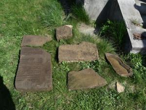 Členové spolku Hanácký Jeruzalém na Plumlově objevili vzácný náhrobek ze zrušeného židovského hřbitova