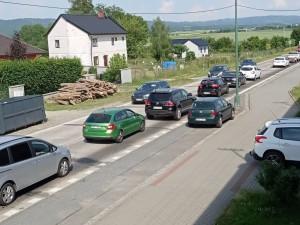 Daskabátu a obcím v okolí se raději vyhněte! Kvůli popraskané dálnici zde vypuklo dopravní peklo