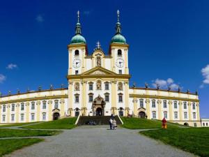 Poutní Cyrilometodějská stezka získala evropské ocenění. Vede i přes Olomoucký kraj