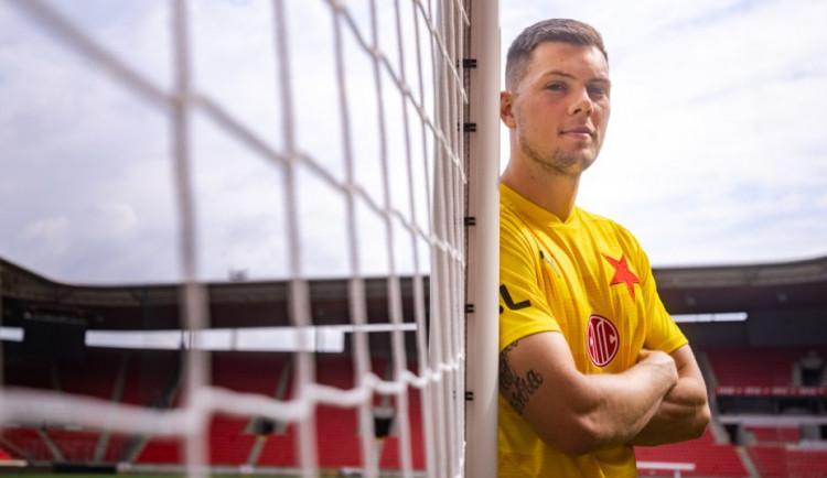Reprezentační brankář Mandous přestoupil z Olomouce do fotbalové Slavie