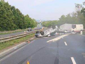 Na D35 se srazily dva vozy, dálnice byla zhruba dvě hodiny uzavřená