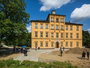 Bývalý zámek Třemešek je po kompletní rekonstrukci za 70 milionů korun