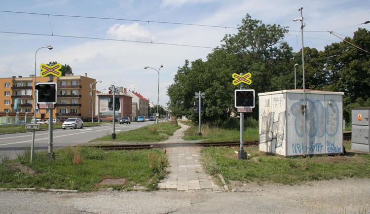 Práce u přejezdu na Nových Sadech obousměrně uzavřou silnici z Olomouce na Tovačov