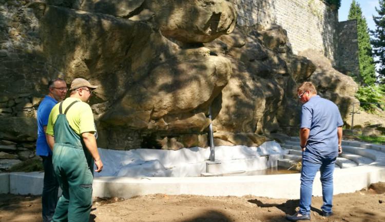 Vodopád v Bezručových sadech bude opět v provozu. Pomohly také sponzorské dary