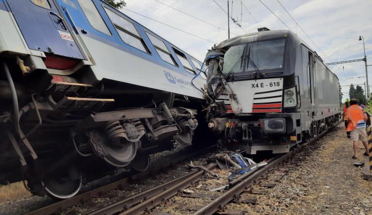 Příčinou sobotní srážky vlaků na Prostějovsku byla zřejmě nepovolená jízda