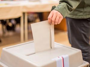O hlasy voličů se v Olomouckém kraji uchází dvacet politických subjektů