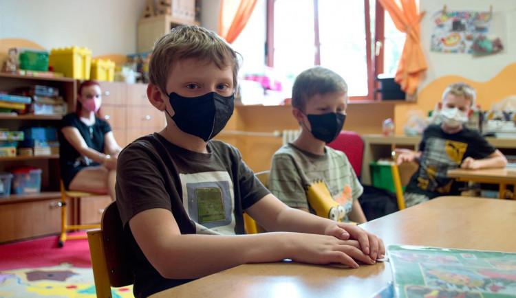 Ředitelé škol: Řadu návrhů ministerstva proti koronaviru nelze splnit