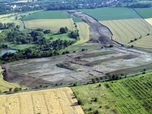 Přes tisíc beden nálezů. Archeologové vytěžili bohaté lokality u Přerova