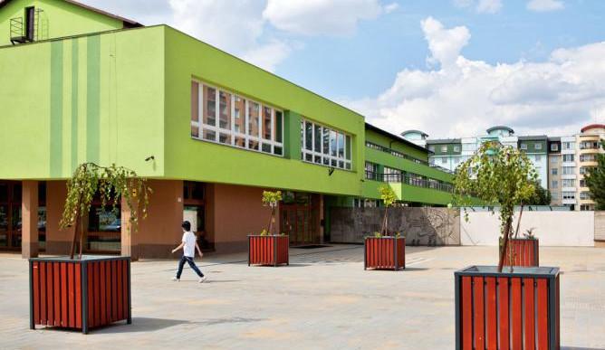 Žákům přerovské ZŠ Trávník začne školní rok později. Kvůli úklidu po rekonstrukci
